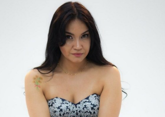 Nuevo videp clip Una nueva mujer de Shiina